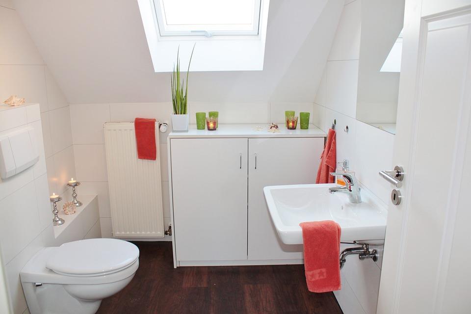 Déco salle de bains : quelques astuces pour lui donner du caractère