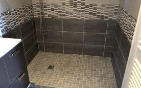 réparer fuite sous bac douche
